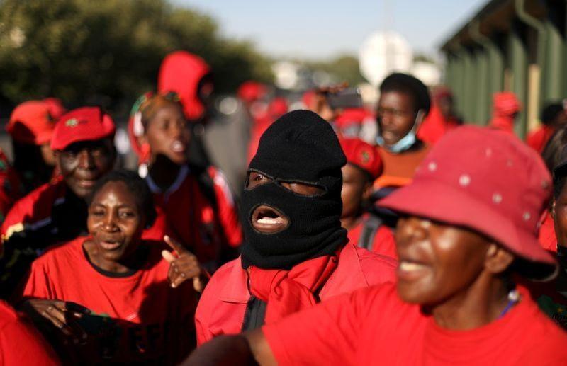 Murders farmers south africa Five Parys