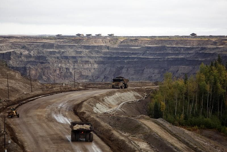 Analysis: Imperial Oil, Teck double down on Canadian oil sands after others flee