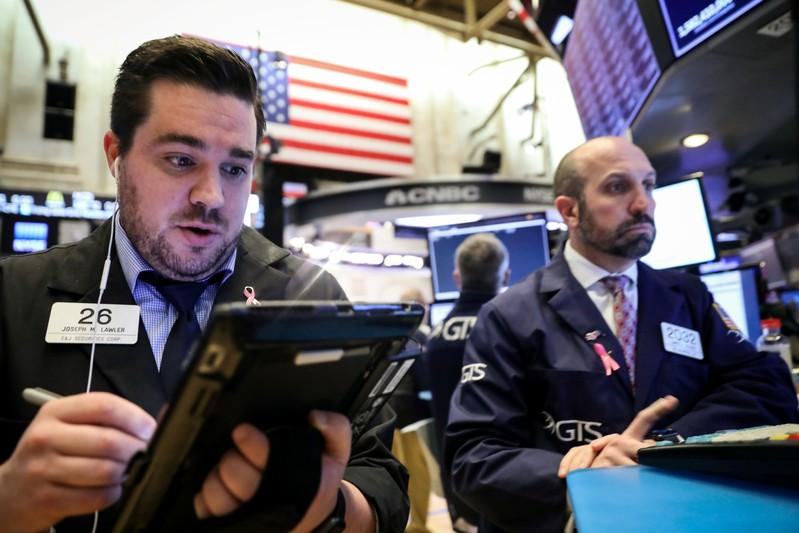 S&P 500 gains with energy, tech but ends near day's low