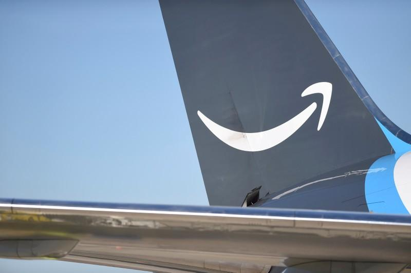 Amazons rising air shipments fly in the face of climate plan