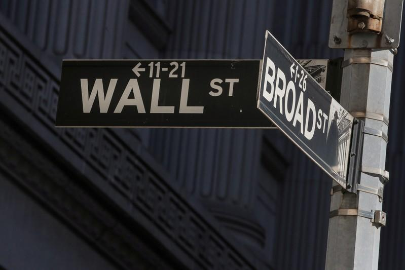 Wall Street slips after Ciscos gloomy outlook