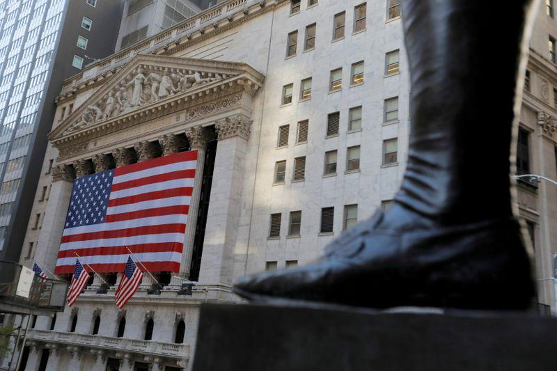 Wall Street steady big weekly gain on prospects for Washington gridlock