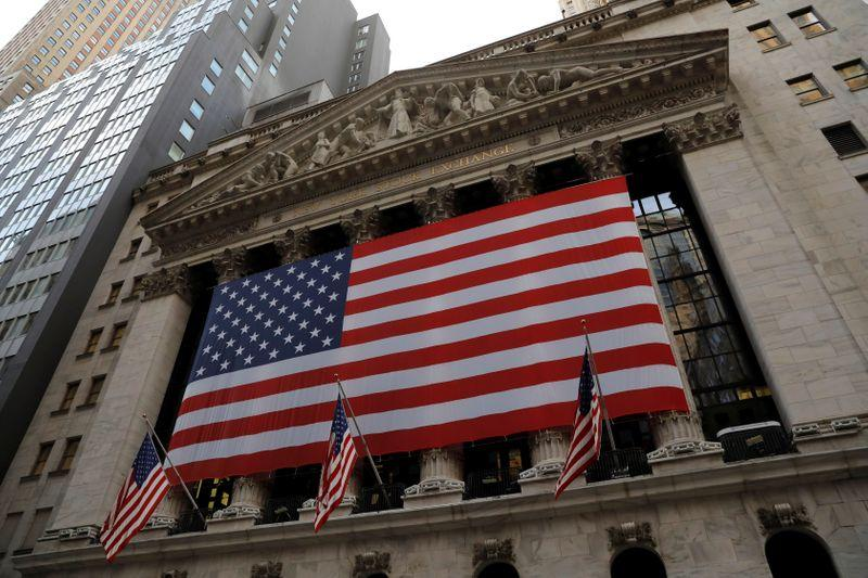 Wall Street oscillates as vaccine hopes wrestle with shutdown threats