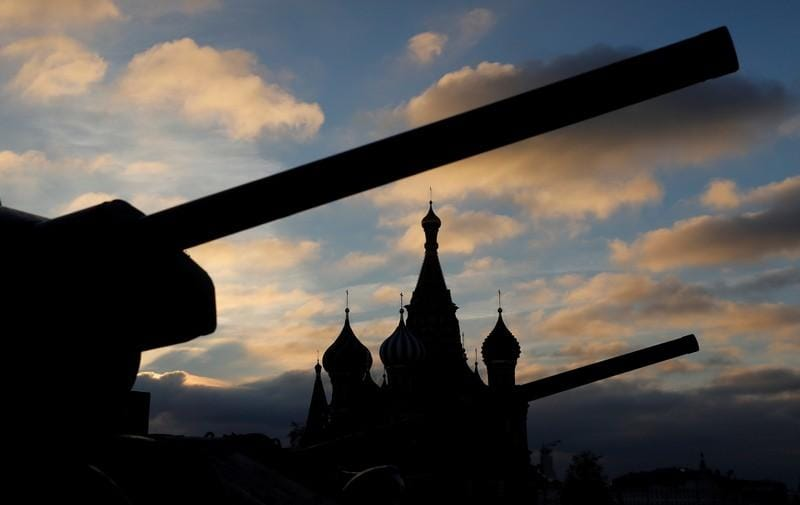 Russia must scrap or alter missiles U.S. says violate arms treaty