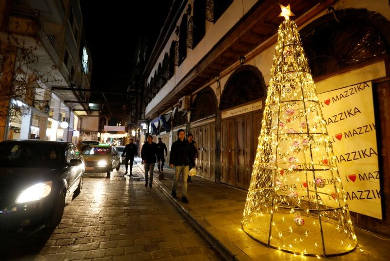 Damascus prepares for Christmas without mortar fire