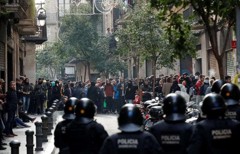 Police arrest Catalan separatists seething at Spanish PM visit