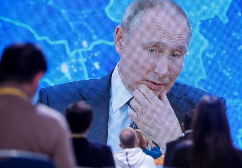 Russias Putin blames Washington for starting new arms race