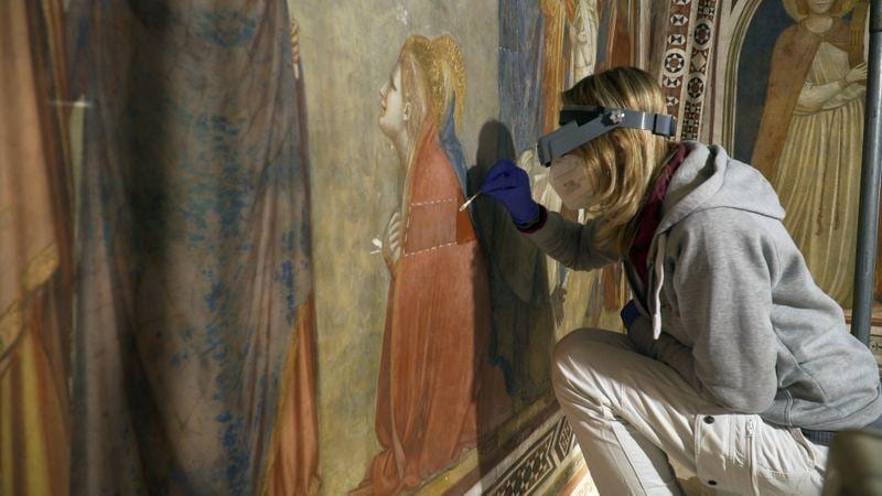 Restorers save Giotto frescoes in Assisis Chapel of the Magdalene